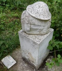 01-Shipwrights-way-statue.JPG